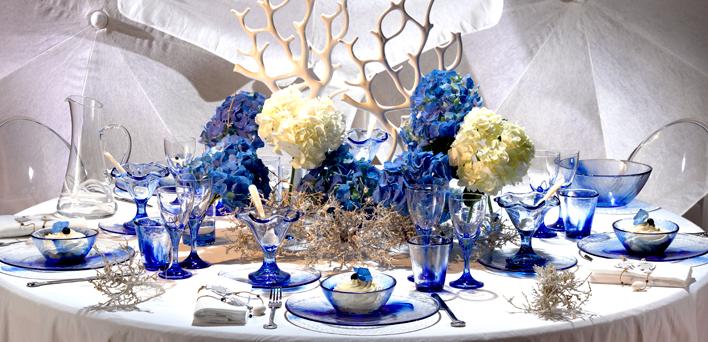 Tema Matrimonio Blu E Bianco : Tutti i segreti per un banchetto a tema  mare
