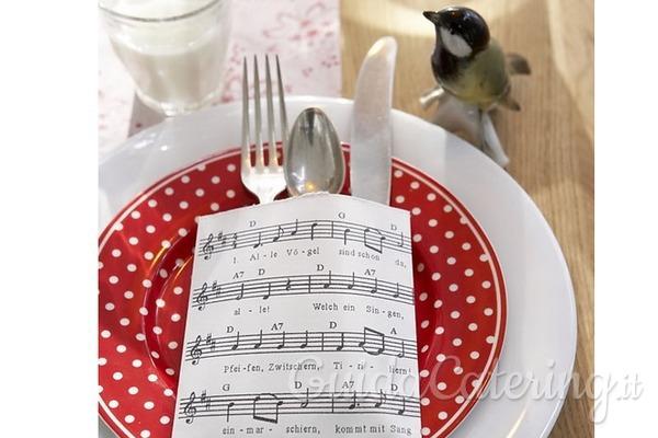 Fai da te a tavola: 8 portaposate natalizi