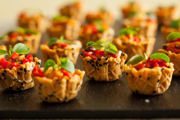 qual è il menù più adatto per inaugurare la tua nuova casa ... - Buffet Comunione A Casa
